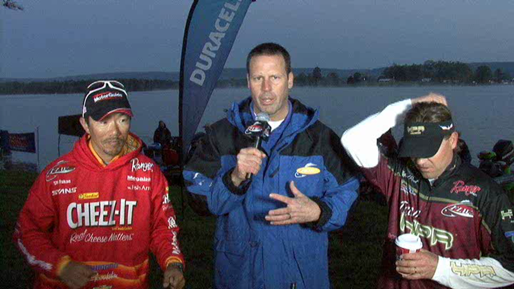 2011 FLW Tour Major  3 Lake Chickamauga Final Day Take-Off Interview Fukae and Pirch