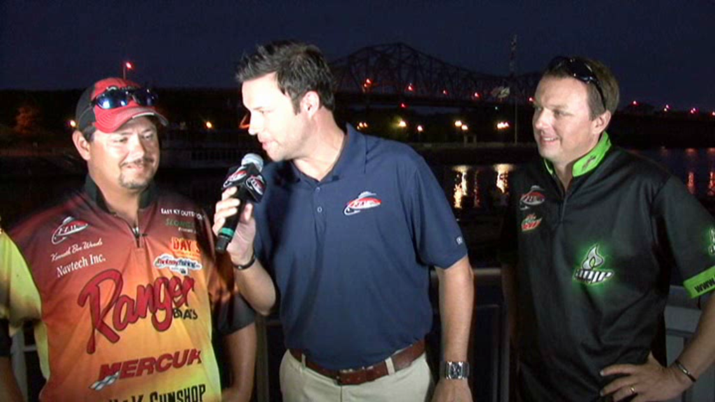 2011 FLW Tour Major on Pickwick Lake Final Day Take-Off Interview Woods and Vick