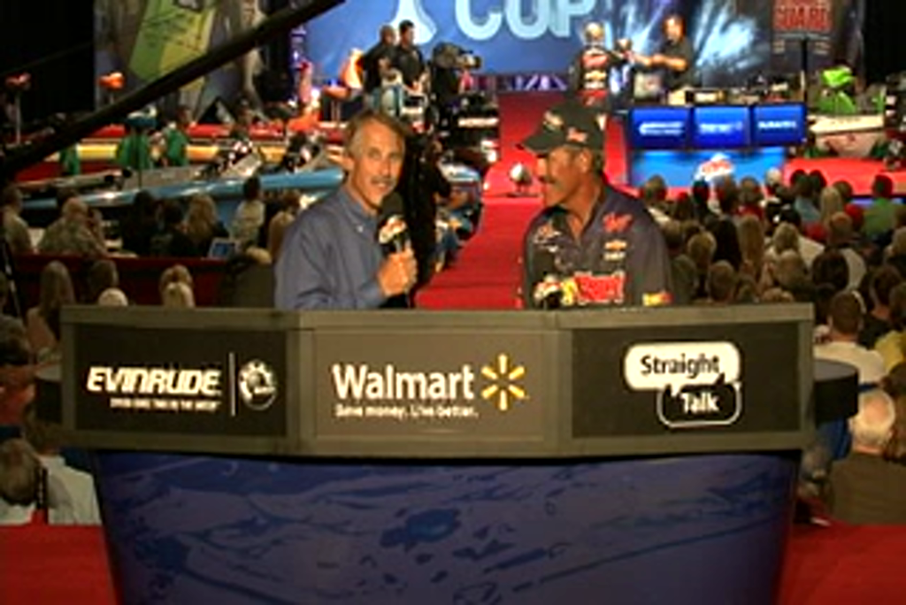 Ron Shuffield is interviewed by  Hank Parker on day 3 of the Forrest Wood Cup 2011