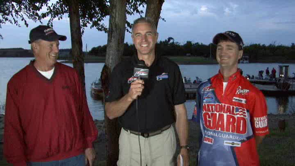 National Guard FLW Walleye Tour Lake Oahe take-off interview Keenan and Chwerut.