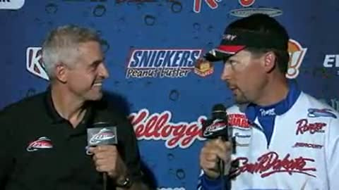 Lynn Jurrens is interviewed by Chip Leer on day 3 of the FLW Walleye Tour Championship