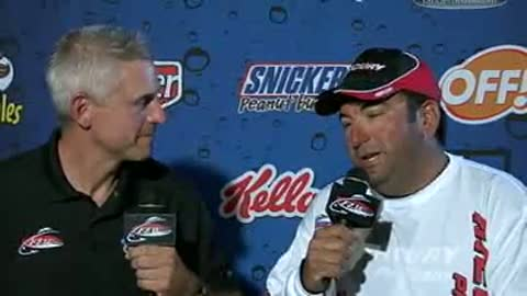 Tom Kemos is interviewed by Chip Leer on day 3 of the FLW Walleye Tour Championship