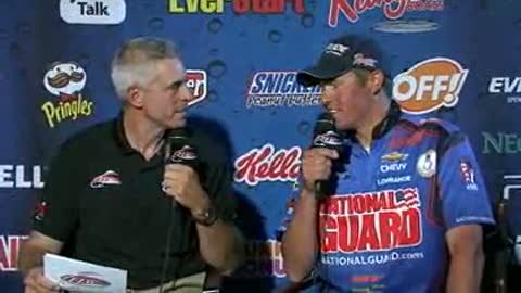 Bill Shimota is interviewed by Chip Leer on day 3 of the FLW Walleye Tour Championship