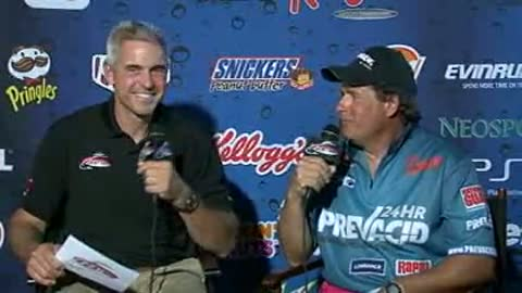Richard Zachowski is interviewed by Chip Leer on day 3 of the FLW Walleye Tour Championship