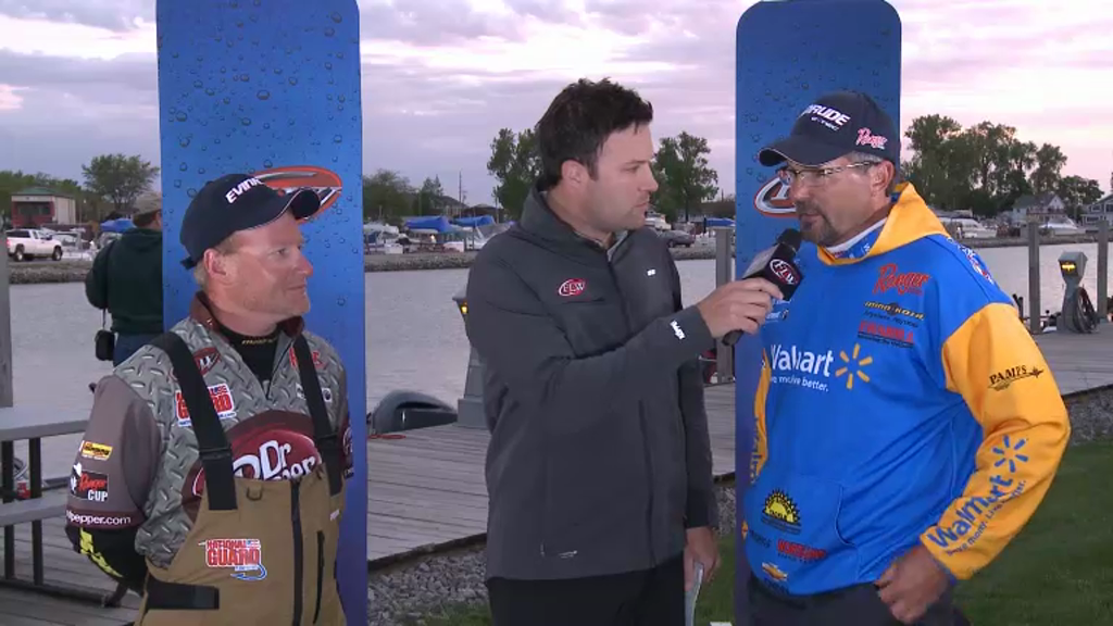 2012 Walleye Tour Lake Erie Final Day Take-Off Interviews McQuoid   Arnoldussen