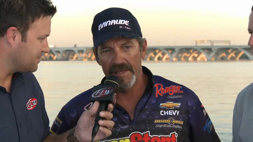 2012 FLW Tour Major on the Potomac River Final Day Take-Off Introduction and Interview Ron Shuffield