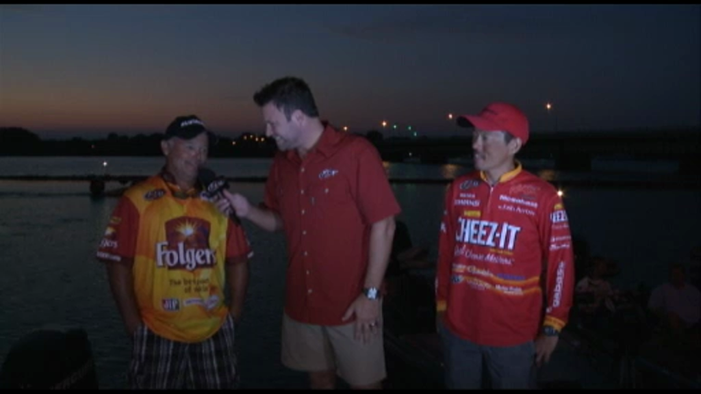 2012 FLW Tour Open Detroit River Final Day Take-Off Interviews McCall   Fukae