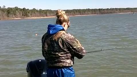 TEXAS A   M-KINGSVILLE - WALIGURA   BOX000 - Sam Rayburn Reservoir - 1 - video  4