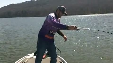 YOUNG HARRIS COLLEGE - RUTHERFORD   THOMPSON000 - Lake Guntersville - 1 - video  5