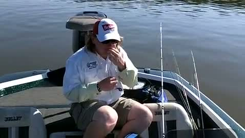 MISSISSIPPI COLLEGE - SAVELL   WALTON000 - Lake Eufaula - 1 - video  8