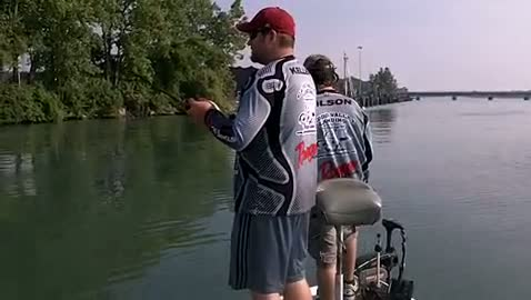 HENDERSON STATE - KELLER   WILSON000 - Detroit River - 1 - video  2
