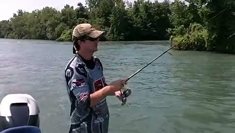 HENDERSON STATE - KELLER   WILSON000 - Detroit River - 1 - video  5