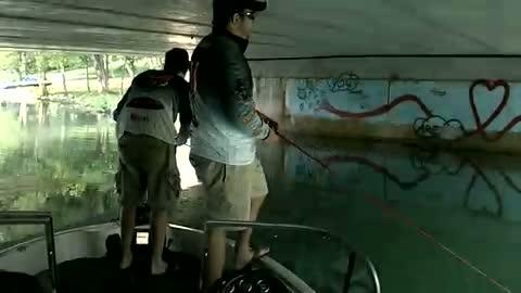 GEORGETOWN COLLEGE - TIMPERIO   ELLIOTT000 - Detroit River - 1 - video  9