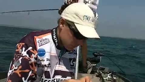 VIRGINIA TECH - FREAS   WHITE00 - Lake Erie - 1 - video  24