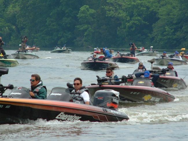 Flw fishing latest news bass tournament fishing for Old hickory lake fishing