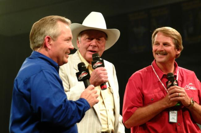 FLW Outdoors host Charlie Evans, Ranger Boats founder Forrest L. Wood and 'FLW Outdoors' TV personality Hank Parker enliven the crowd prior to Friday's weigh-in.