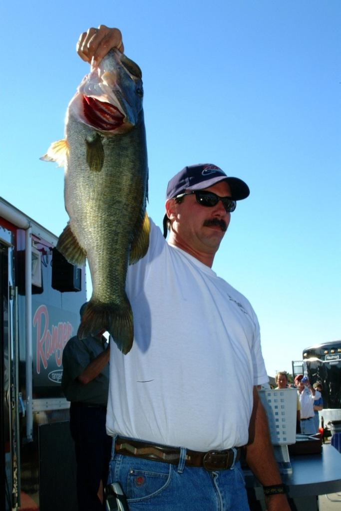 Turner takes texas tournament trail co angler championship for Fishing tournaments in texas