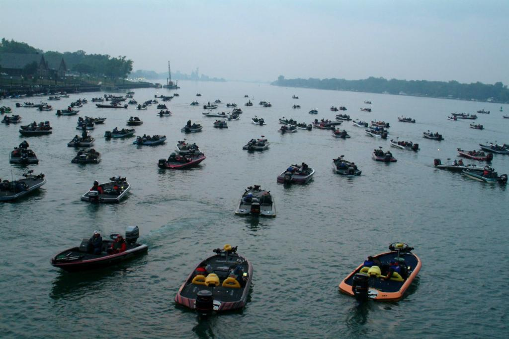 2005 everstart series preview northern division flw for Detroit river fishing