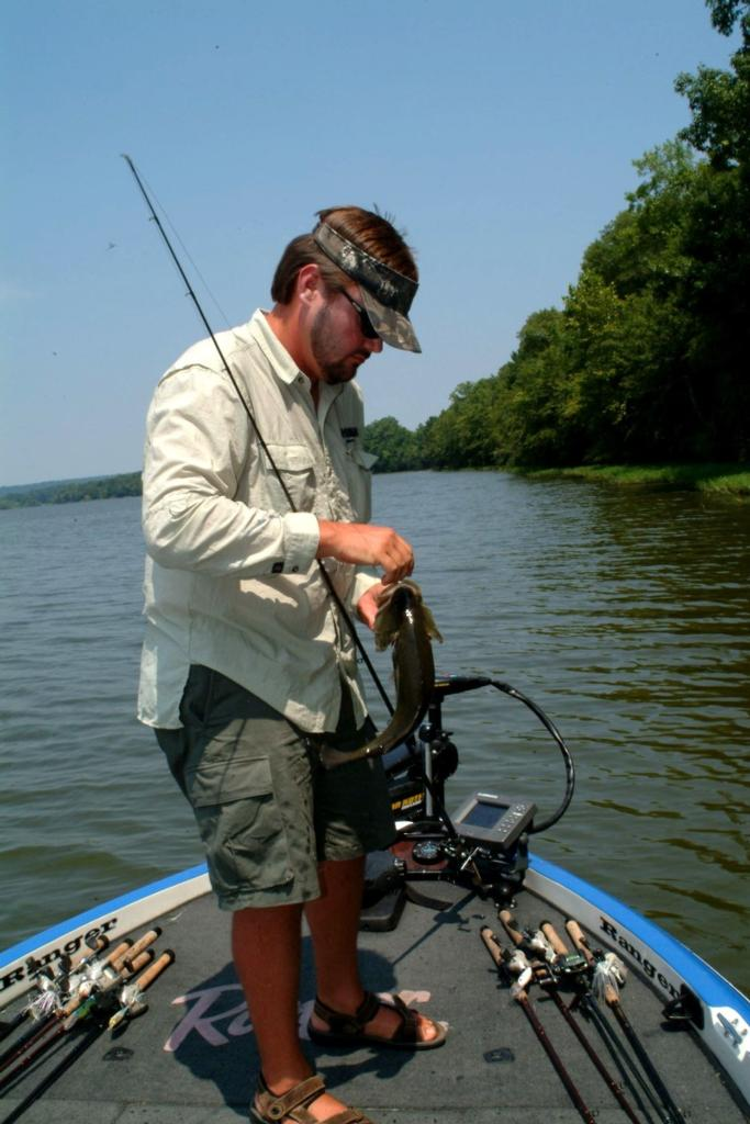 The hack attack descends on logan martin flw fishing for Lake martin fishing