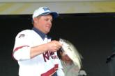 Jerry Green weighs in one of the fish that earned him an EverStart Series victory.