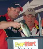 Rick Morris watches as pro Scott Dameron can only muster three bass for 3 pounds, 11 ounces. Dameron finished fourth with a final weight of 19-7.