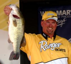 Pro Jimmy Reese of Witter Springs, Calif., caught a final-round total of 10 bass weighing 39 pounds, 1 ounce to win the Stren Series Western Division closer at the California Delta. This kicker fish weighed 7-7.
