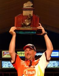 Tracy Adams takes home his first FLW Tour trophy, at Lake Champlain, after 10 years on tour.
