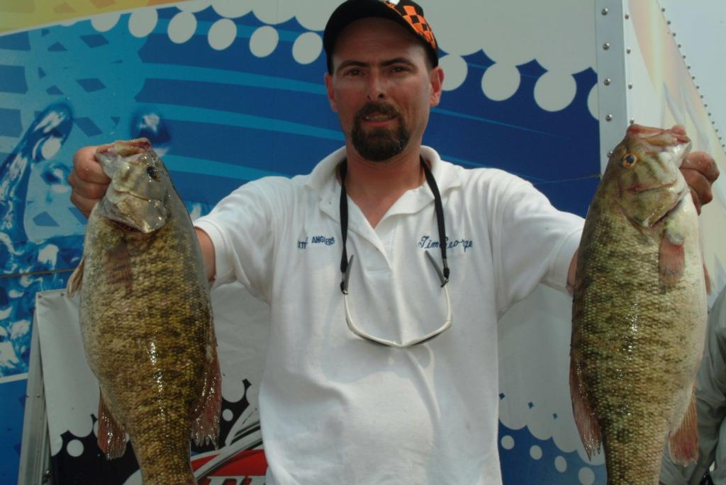 Beck nets 40 pounds stren series lead on lake erie flw for Plenty of fish erie pa