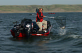 Pro Richard Nascak lands the monster that helped catapult him to the top of the 2006 FLW Walleye Tour Championship on Lake Oahe.