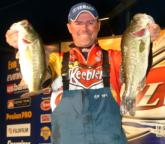 Pro Dave Lefebre of Union City, Pa., is in third place with 15-10.