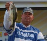 Shane Gibson jumped from 10th to second with a day-four limit that brought his combined total weight to 58 pounds, 7 ounces.