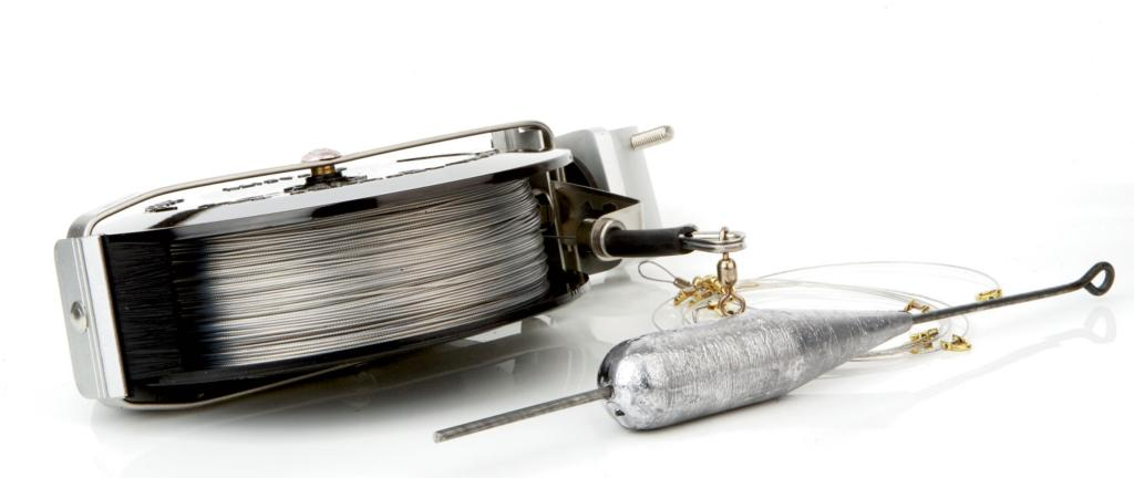 A hog on a handline flw fishing articles for Handline fishing reel