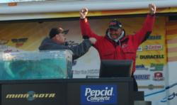 Pro Tim Fleetwood celebrates after winning the 2006 Stren Series Central Division event on Bull Shoals Lake.