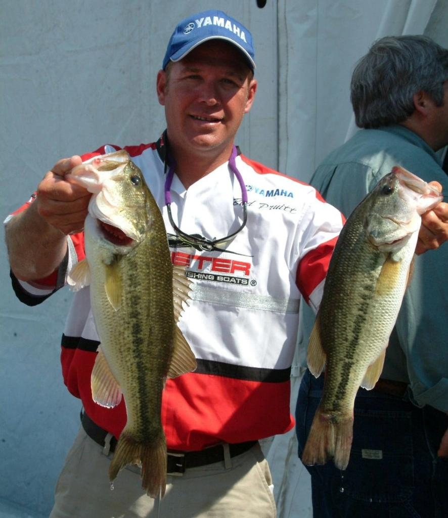 Quick bites flw tour lake norman day 2 flw fishing for Lake norman bass fishing