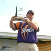 Andy Hodges holds up his well-deserved trophy from the Stren Central on Kentucky Lake.