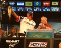 Mark Davis holds up his biggest bass from Sunday