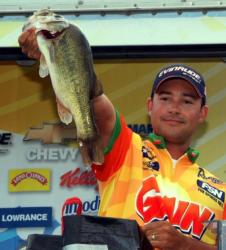 Coming in with the heaviest catch in the finals was Jess Caraballo of Danbury, Conn., a 16-pound, 4-ounce limit. He finished third for the pros with 57-14.