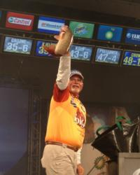 Pro Dennis Lantzy of Warren, Mich., took fourth place a final-round total of 10 walleyes weighing 47 pounds, 9 ounces.