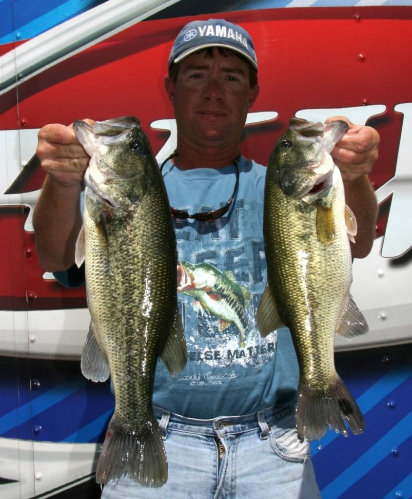 Parsons pounds em in stren series event on texoma flw for Fishing in mobile al