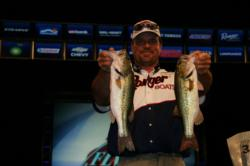 Second place pro Kevin Snider snuck past third by one ounce.