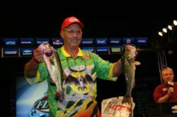 Third-place pro Terry McWilliams really stood out in his bright green Soar Bats team jersey.