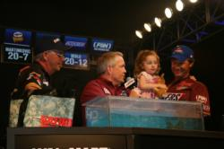 Past BFL All-American champ, Kim Carver teases tournament host Charlie Evans, Alana Berlo and her dad Shayne.
