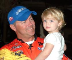 Second-place pro Dave Lefebre enjoys a moment with his daughter before the final takeoff.