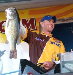Second-place pro Richard Cathey caught 29-11 Saturday to finish the event with 90-13.