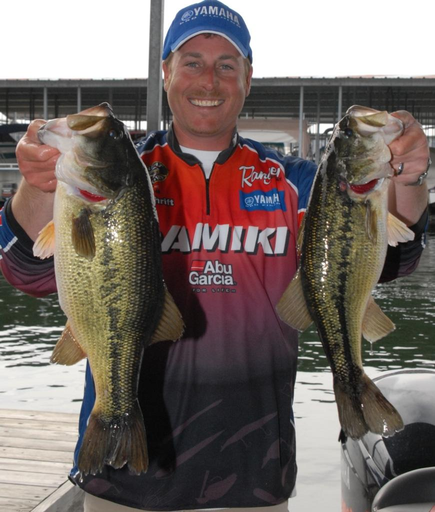 Quick Bites: FLW Tour, Table Rock Lake, Day 2 - FLW Fishing: Articles