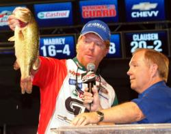 Pro Kyle Mabrey fell from second to fifth after catching only 13 pounds, 2 ounces Sunday.
