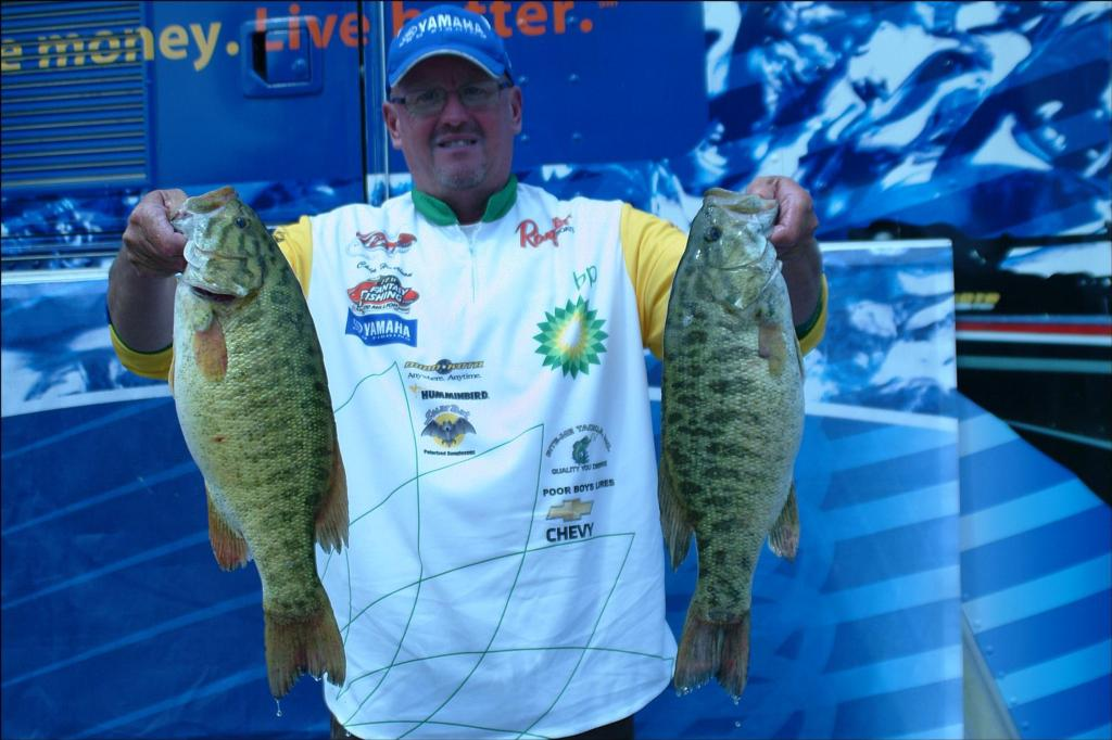 Detroit river doesn t disappoint on day one flw fishing for Is tomorrow a good fishing day