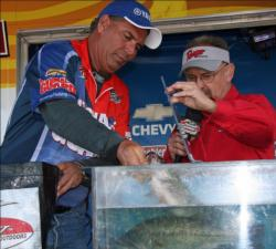 Missouri pro Joe Bennett fished tubes and spinnerbaits on the final day.