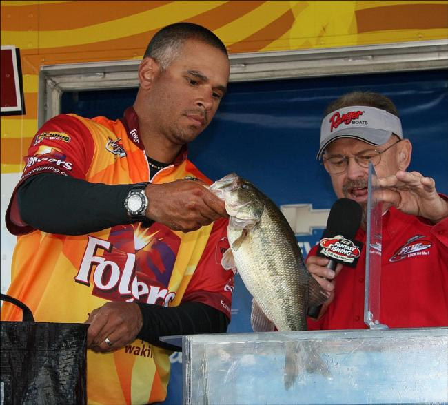 Flw fishing costa flw series 2013 lake of the ozarks for Missouri fishing license walmart