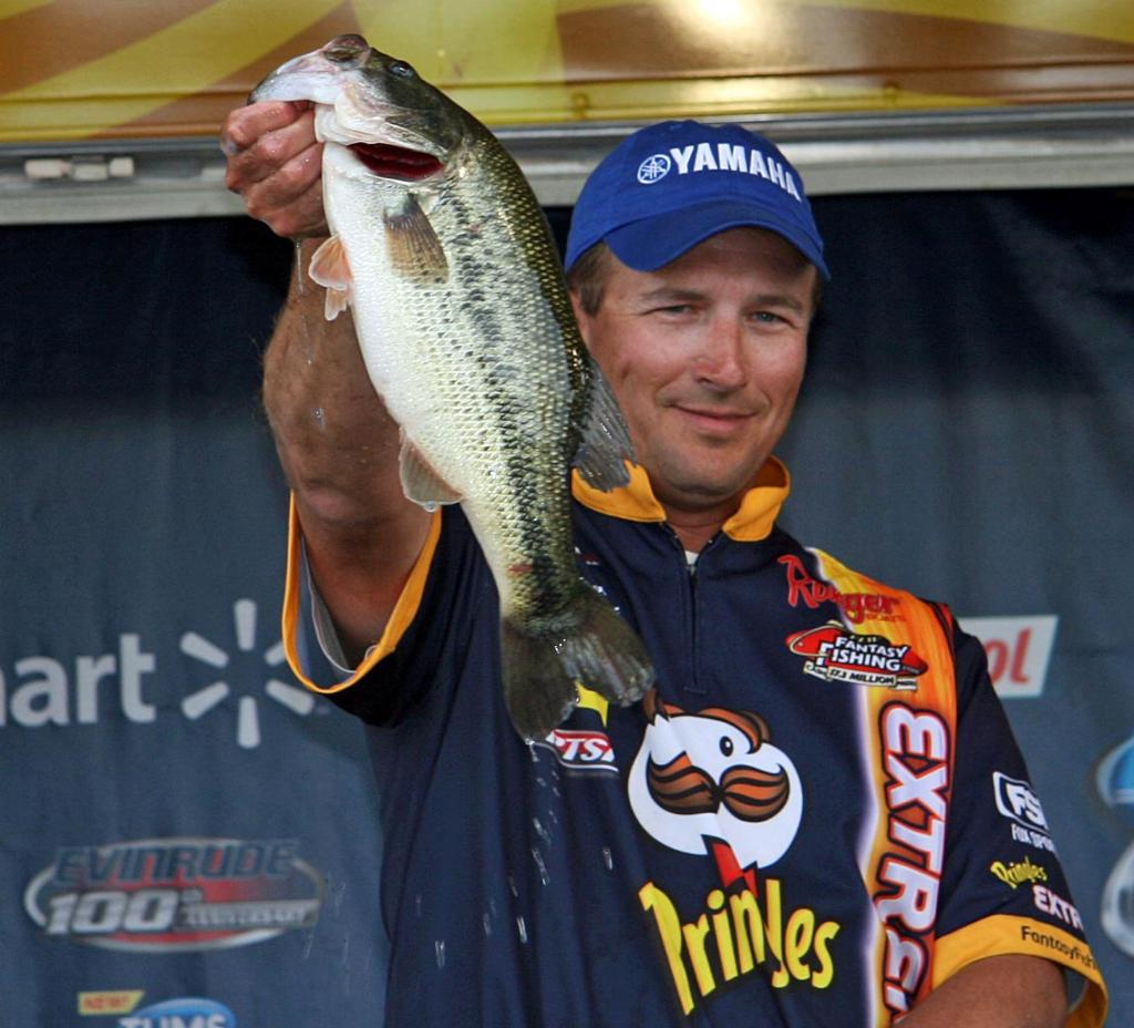 Pirch pounds em on clear lake flw fishing articles for Plenty of fish spokane